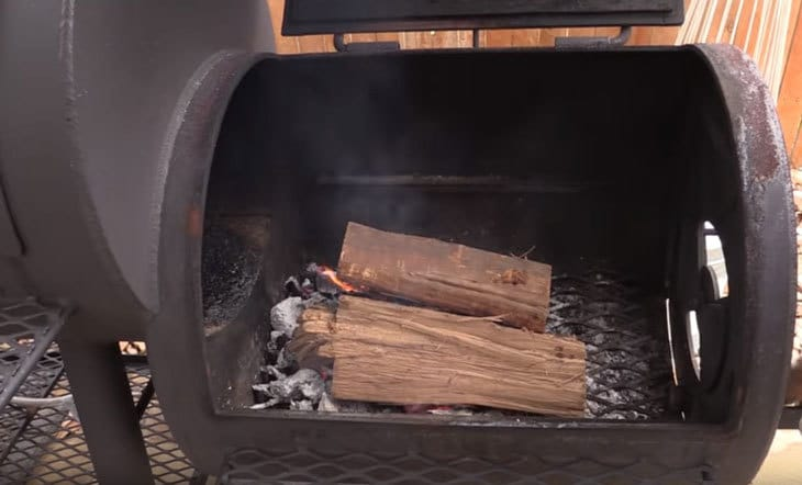close all the lids of your smoker