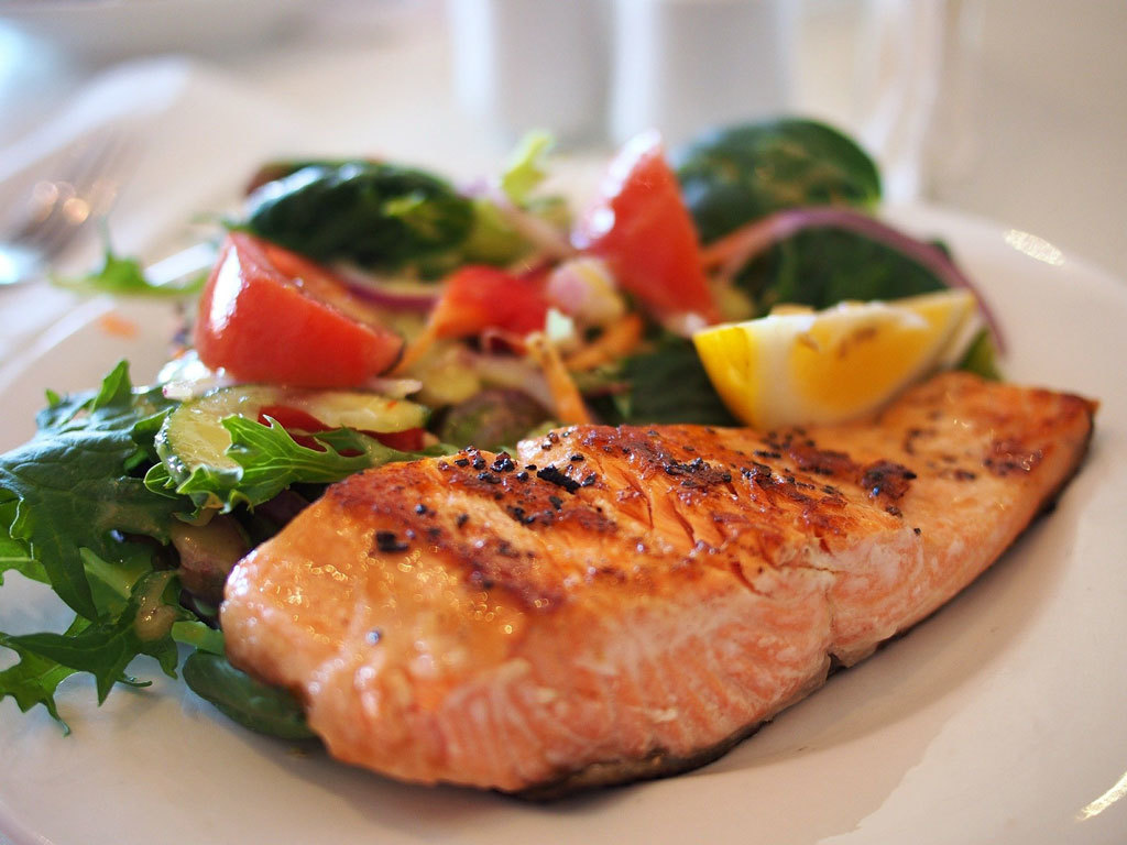 How long does it take to cook salmon on a griddle